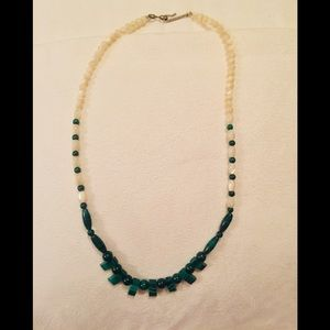 Jewelry - Mother of pearl and malachite necklace